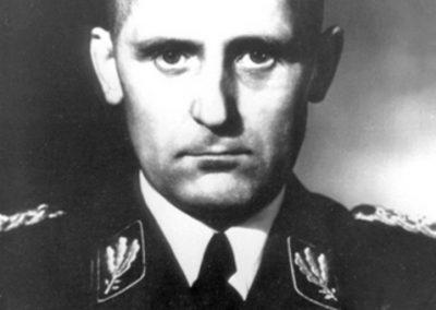 Heinrich Müller comandante de la Gestapo de 1939 hasta su disolución en 1945